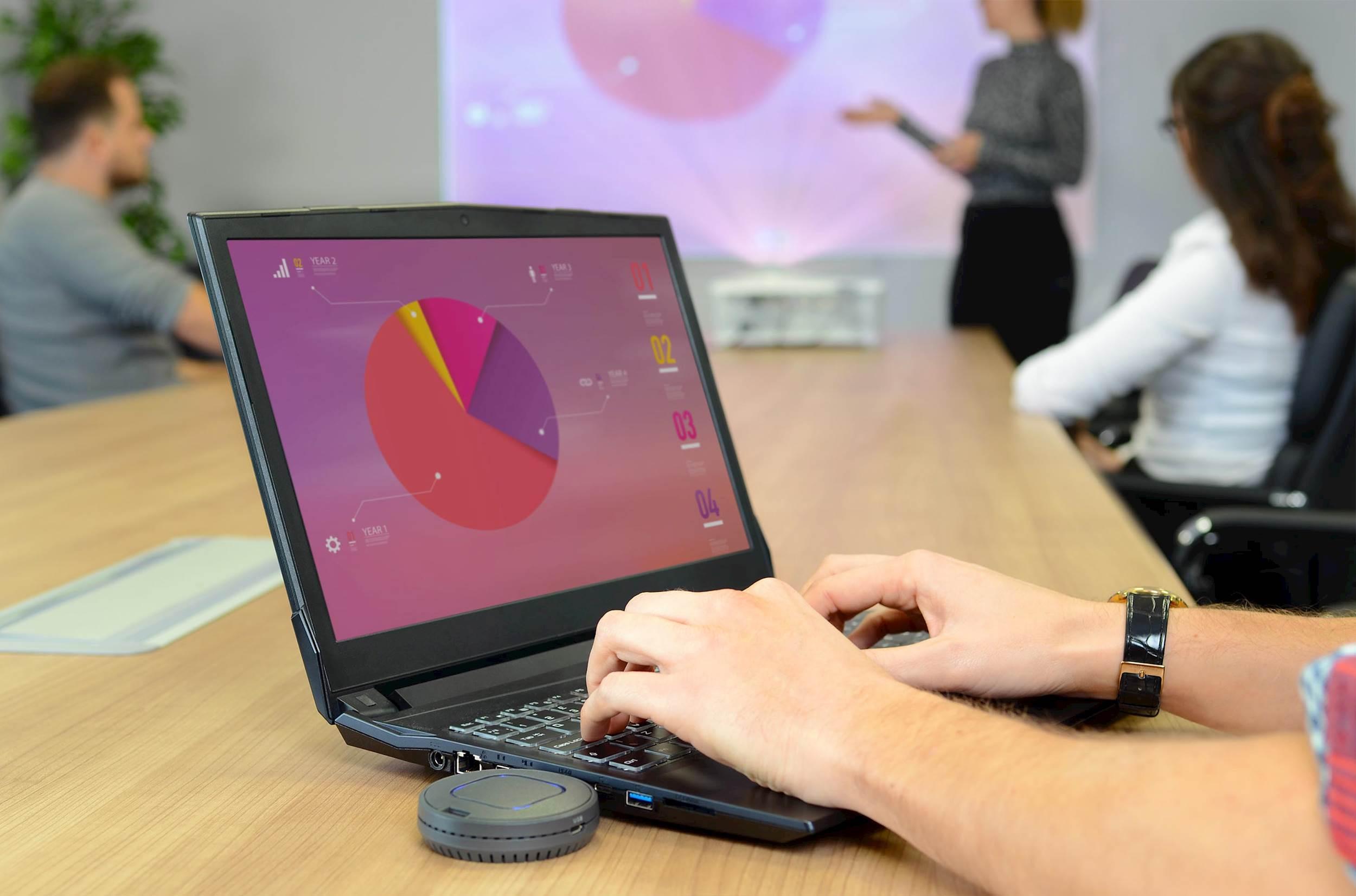 Bezprzewodowe prezentowanie za pomocą HDMI